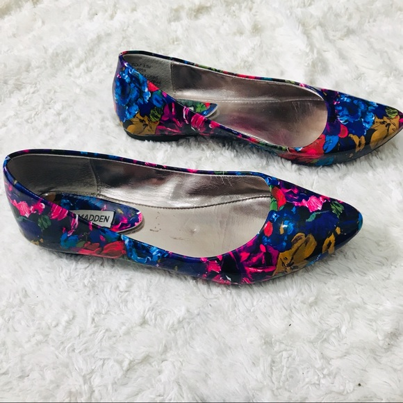 bd6b0a011 Steve Madden Shoes   Multicolor Floral Ibiza Flat Size 85   Poshmark